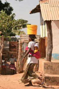 Kvinna i byn Juffure