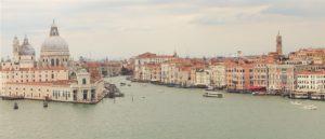 vy över kanaler Venedig