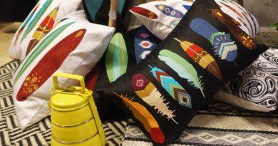 Fjädrar och surfbrädor Lulu Carter Design