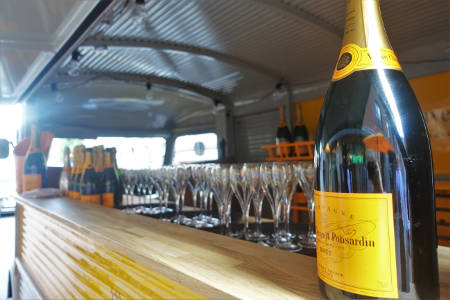 Champagne truck närbild