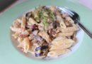 Pasta med grönsaker och fetaostkräm