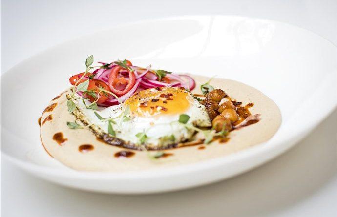 Årets Äggrätt – Hummus med zaatarägg