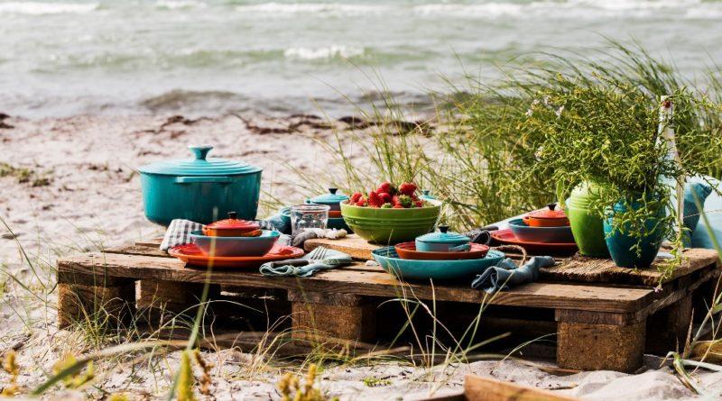 Matlagning och dukning i det fria