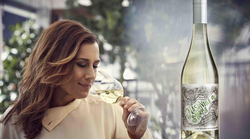 Jill Johnson lanserar vårens vita vin – Nashville Stories Bianco