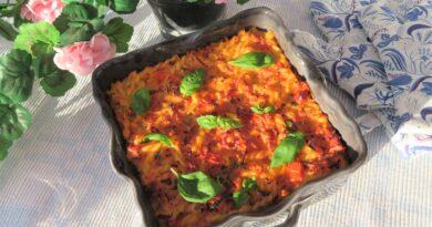 Pastagratäng med skinka och tomater