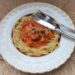 Kyckling med tomatsås och pasta